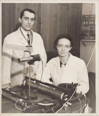 Photograph of Iréne and Frédéric Joliot-Curie